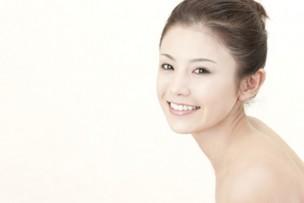 綺麗な肌の女性画像
